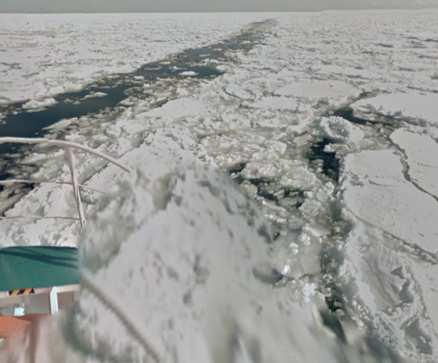street view that drift ice is visible from Abashiri Bay icebreaker ship